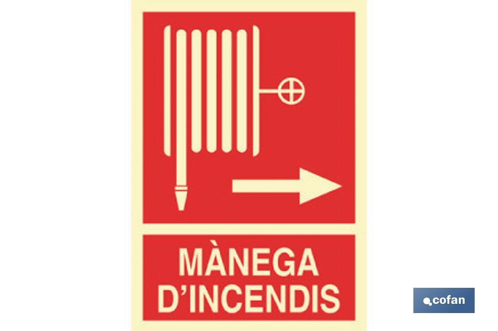 MÀNEGA D'INCENDIS DRETA